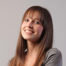 Starting Credits - Starting crédits - courtier à Rennes pour vos prêts immobiliers, rachat de prêt ou assurance de prêts bureau femme